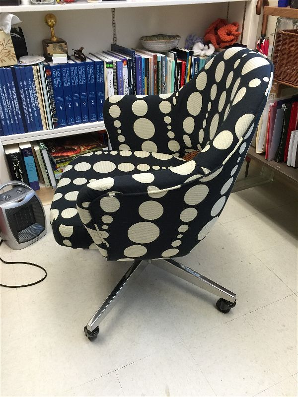 "Eero Saarinen arm chair with Knoll Textiles ""Wide Angle"" in Optics"