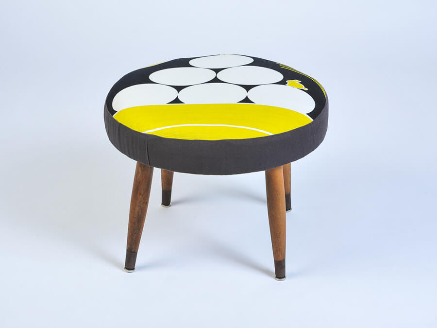quote-yellow-stool
